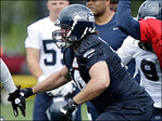 Seahawks' Moffitt in trouble for allegedly urinating in public