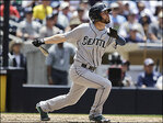 Franklin homers twice in M's 7-1 win over Padres