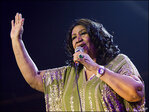 Aretha Franklin slams server's D-I-S-R-E-S-P-E-C-T