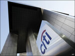 Citigroup slims down, boosts profits