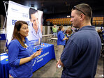 U.S. unemployment benefit applications drop to 323,000