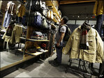 U.S. consumer confidence falls to 7-month low