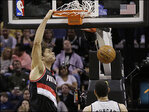 Aldridge, Matthews lead Trail Blazers past Spurs