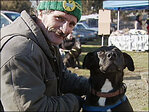 Volunteer vets treat homeless pets: 'They've been real helpful for us'