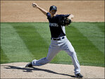 Mariners release pitcher Scott Baker