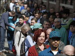 Applications for U.S. jobless aid increase by 16,000