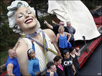 Giant Marilyn Monroe arrives at temporary new home