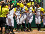 No. 1 Ducks defeat Wisconsin, 6-1 in second round of Regionals