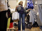 U.S. retail sales rise ahead of holiday shopping