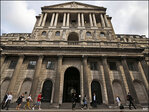 UK economy grows to surpass pre-crisis peak