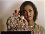 Dethroned beauty queen won't return bejeweled crown without apology
