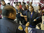 Applications for U.S. jobless benefits drop to 287,000