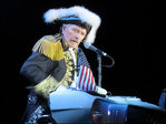 Paul Revere of Raiders rock band dies at 76