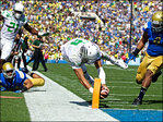Mariota leads No. 12 Oregon's 42-30 rout of UCLA in Pasadena