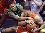 Oregon gets past Oregon St. on the court in Civil War game