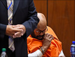 Suge Knight collapses in court after bail hearing