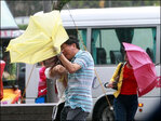 Typhoon roars into south China; tens of thousands evacuated