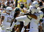 Ducks jump to No. 2 in latest AP poll, Huskies move into top 25