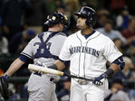 Mariners give up tying run in 9th, lose to Yankees in 11