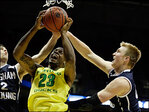 Oregon beats BYU, will face Wisconsin on Saturday