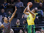 Short-handed Oregon beats Washington State 67-53