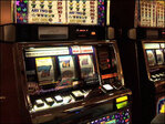 Slot machine saves gambler from jail as cops arrive