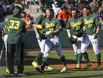 Oregon offense brings Ducks first series win of the season