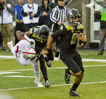 Mariota leads Ducks to 45-16 win over Stanford