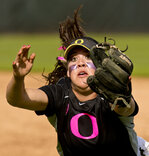 Softball: Huskies snap 13-game Duck winning streak