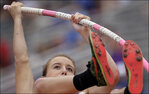 Blind high school pole vaulter wins medal in Texas