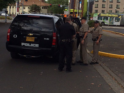 Police: Bomb threat by bus driver closes Franklin near UO campus