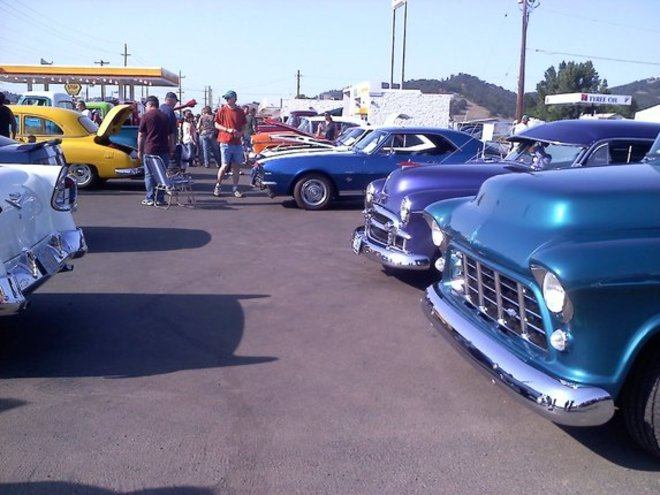 Classic cars & Poodle skirts: Graffiti Week is here!
