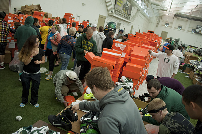 2013 Oregon Athletics Surplus Sale 15 - Photo by Tristan Fortsch_KVAL News