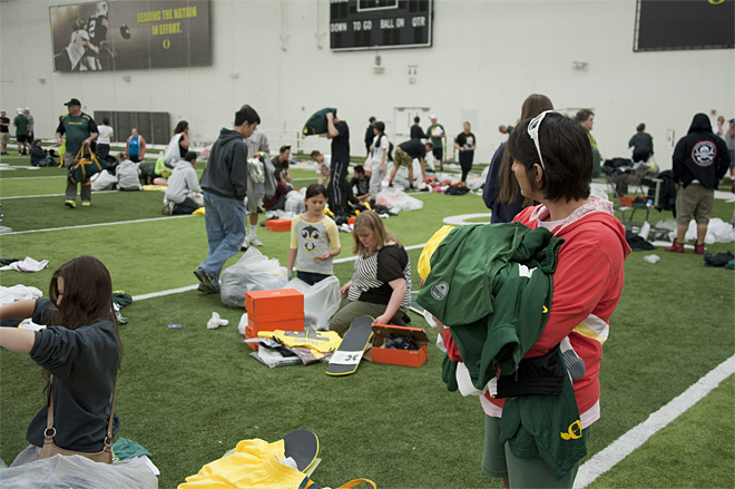 2013 Oregon Athletics Surplus Sale 42 - Photo by Tristan Fortsch_KVAL News