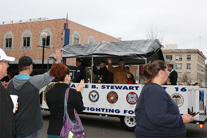 2013 Veterans Day Parade in Roseburg (13)