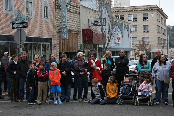 2013 Veterans Day Parade in Roseburg (18)