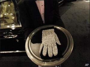 Michael Jackson's glove sells for $65,000