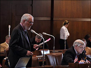 Oregon Legislature pushes to adjourn