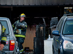 Eugene FD: Flames from garage fire damage neighboring house