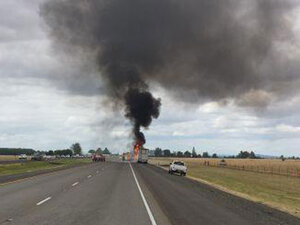 Truck fire disrupts I-5 south of Albany