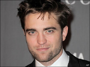 'Twilight's' Pattinson sweats excessively during sex scenes