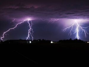 Zap! Lightning lights up Western Oregon
