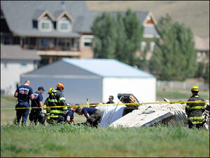 Coroner: Mom, 3 kids among 5 killed in plane crash