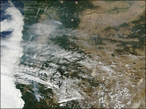 Wildfire smoke fills the Willamette Valley, air quality deteriorates