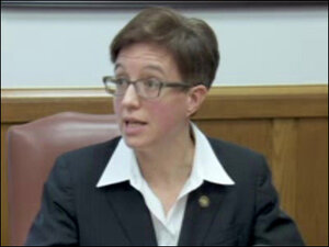 House Speaker Tina Kotek asks Kitzhaber to resign - news conference