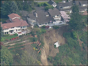 Landslide continues to threaten homes in Washington