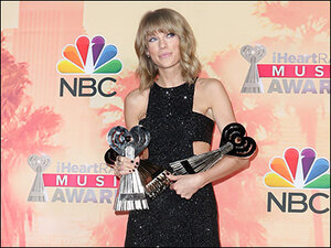 Photos: Taylor Swift wins artist of the year at iHeartRadio Awards