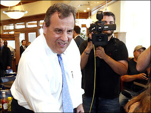 As he launches 2016 bid, Christie embraces underdog role