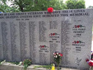 Skinner Butte Park memorial pays tribute to 142 fallen soldiers
