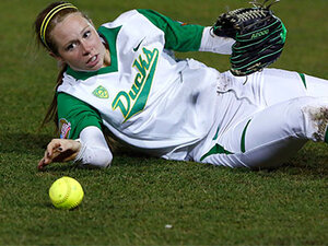 Softball: Oregon must win Saturday after loss to UCLA